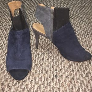 Nine West Gray/ Navy Blue Suede Heels